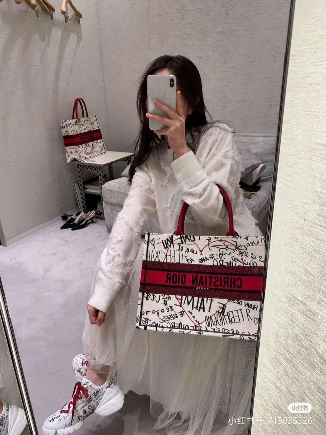 寻求一款顶级原单包包迪奥七夕购物袋限量款包包专柜品质