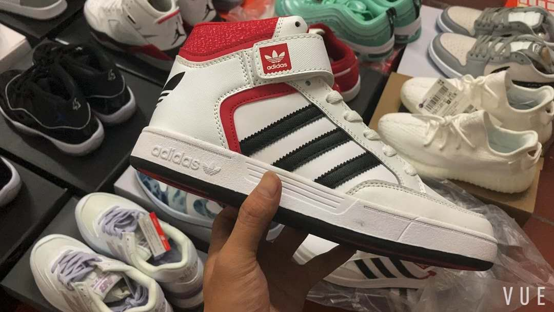 火爆品牌运动鞋一手货源 安福市场直销 一件代发