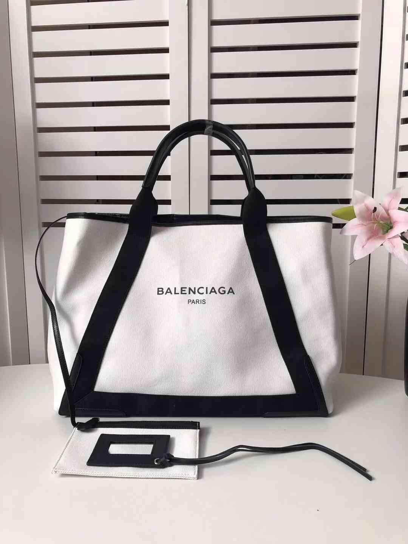 巴黎世家购物手袋,简单时尚大方随身收纳物品井井有条- 微商货源网 609dcdd836632